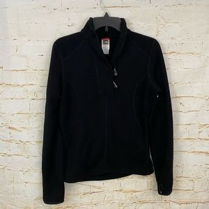 The North Face M toggle button pullover sweater